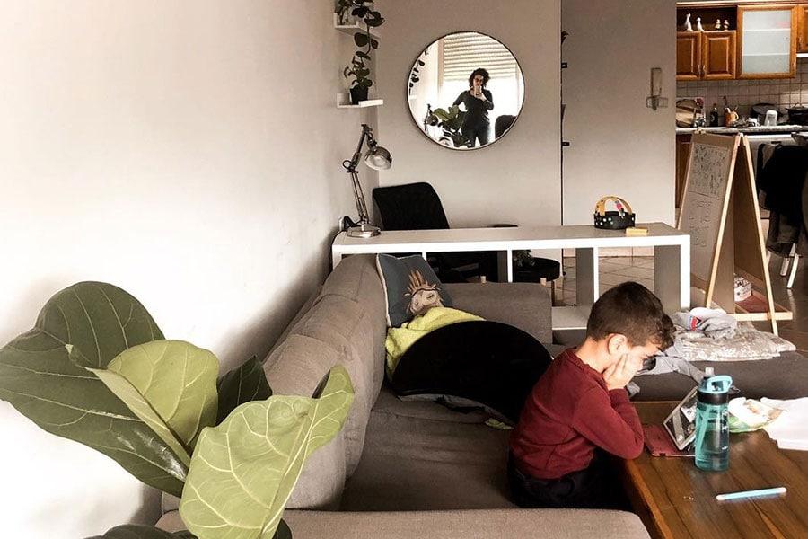 ילד משועמם בקורונה, ממש שניה לפני שהכל התחיל. צילום: מתוך האינסטגרם שלי @chenyaka